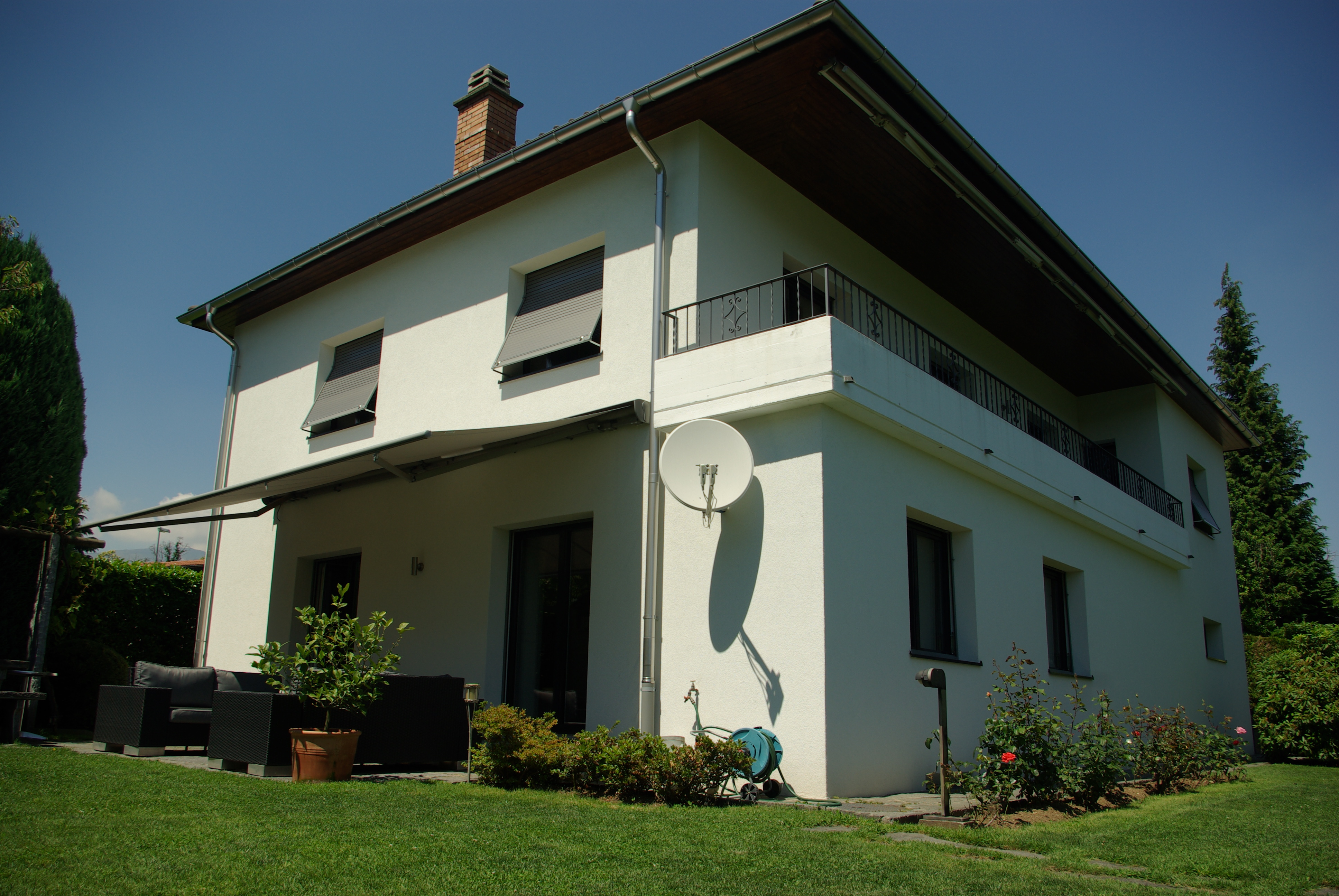 BREGANZONA – Bellissima casa unifamiliare in zona verde con bella vista