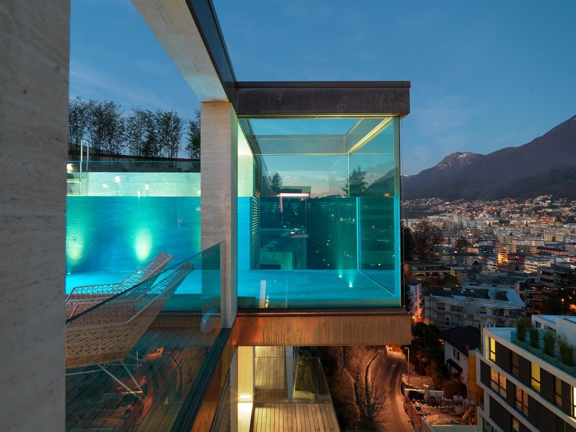 LUGANO MASSAGNO – Grande attico con piscina e enorme terrazzo