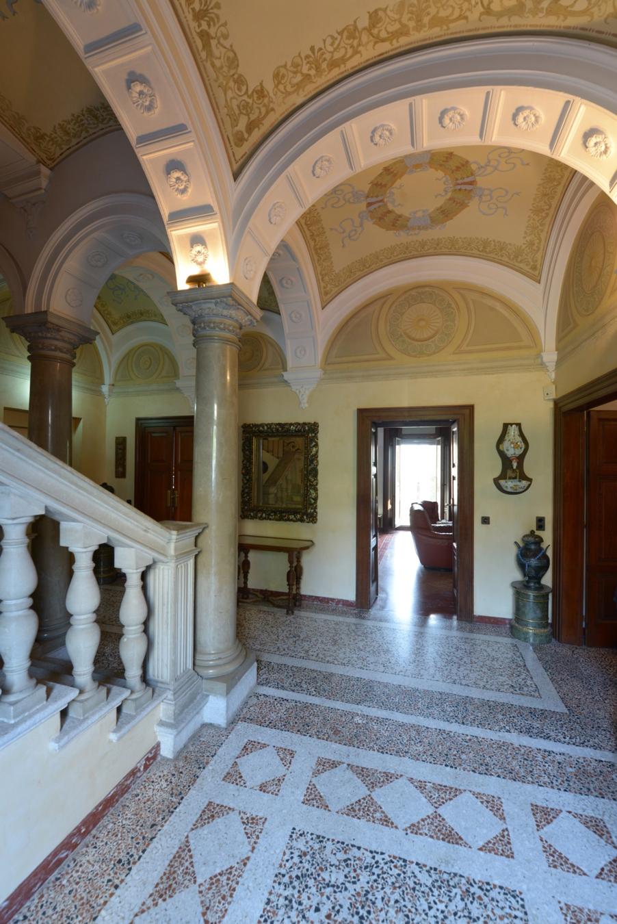 LUGANO – Un gioiello nel comprensorio delle case d'epoca